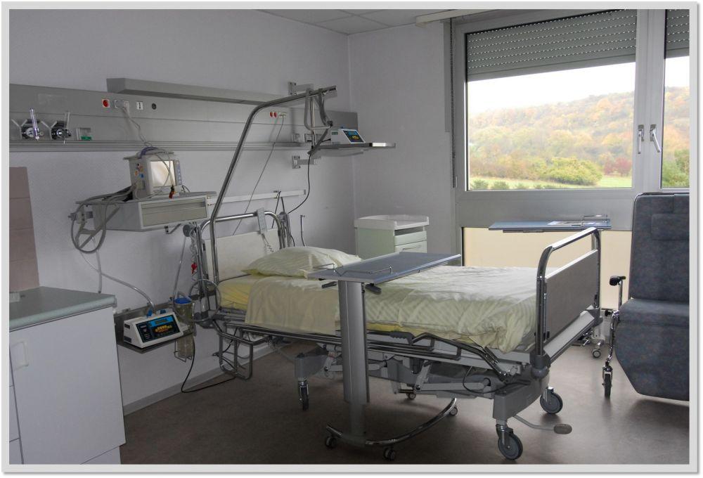 Chambres hotes chambres d hotes breta a meuble de for Chambre implantable